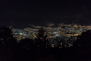 Medellin by night © Katharina Sunk