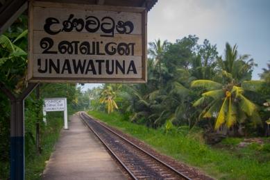 Unawatuna train station © Katharina Sunk